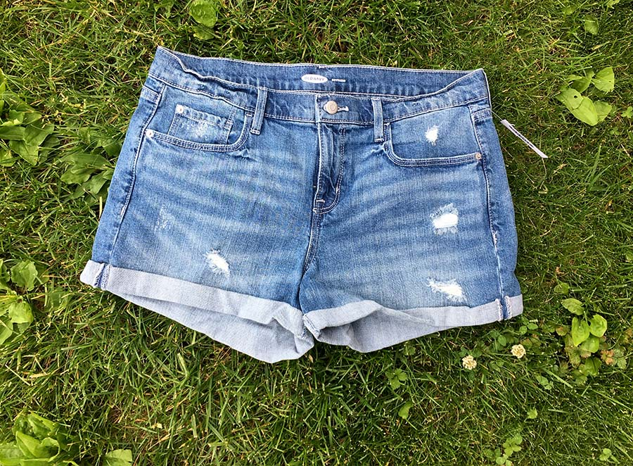 Old Navy Shorts Review | Spoonful of Easy #denimshorts #jeanshorts
