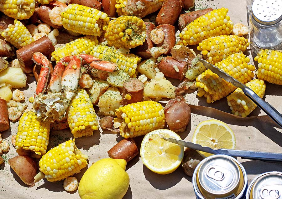 Easy Seafood Boil | Spoonful of Easy #seafoodboil #oldbay