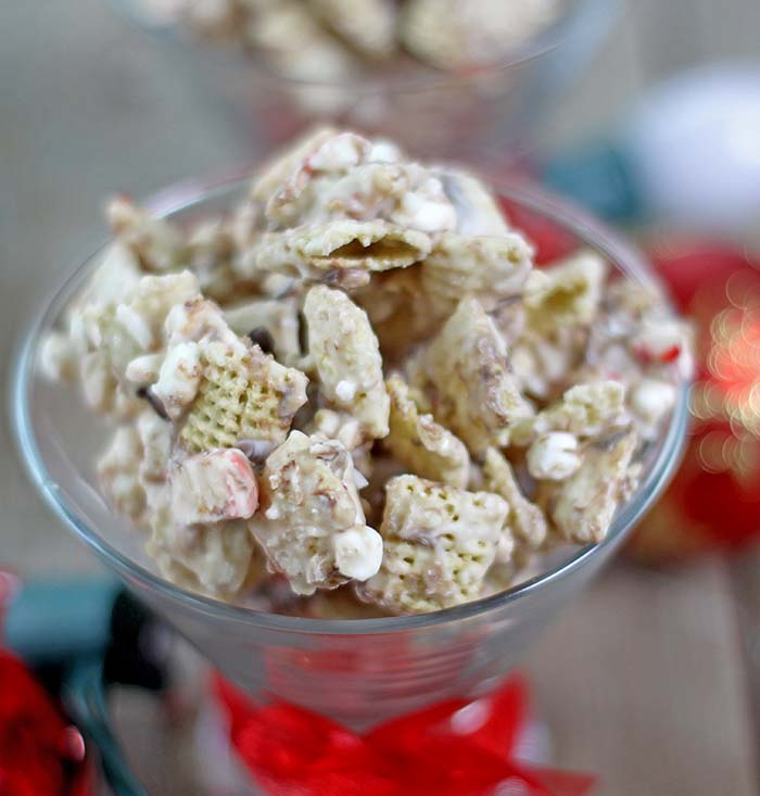 Peppermint Hot Chocolate Sweet Chex Mix Recipe