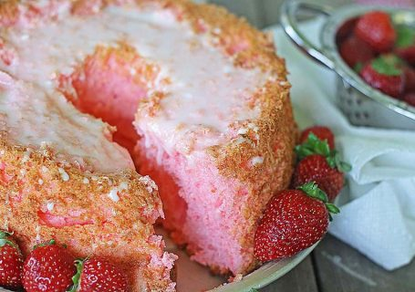 Pink Lemonade Angel Food Cake